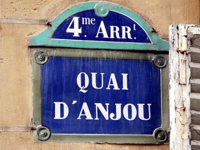 Wanderlust | Paris In Springtime 4th Arrondissement | Linzeelu Thank You